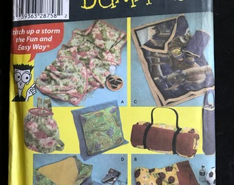 Simplicity 4745 - Sewing for Dummies Fleece Pillow in a Quilt Blanket and Carry Bags