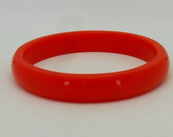 Vintage bangle -  Red plastic bangle