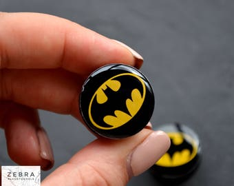 "Ear plugs Batman image wooden tunnels 4,5,6,8,10,12,14,16,19,20,25-60mm;6g,4g,2g,0g,00g;1/4,5/16,3/8,1/2,9/16,5/8,3/4,7/8,1 1/4,1"" all size"