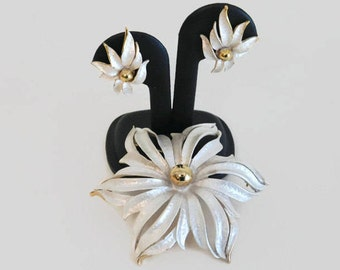 Vintage Signed Celebrity Silver and Gold Flower Brooch With Matching Clip On Style Earrings, Vintage Jewelry, Vintage Celebrity Signed