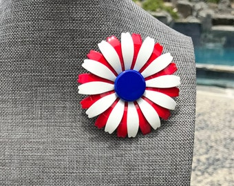 Vintage Enamel Flower Brooch // Red White and Blue Patriotic Daisy // 1960s Mod Flower // Enamel and Metal // Patriotic Brooch // Daisy Pin