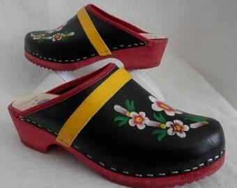Vintage 70's Gretel's Swedish Clogs Leather/Wood Platform Painted Floral Upper/Rubber Heel Size EU 38 US 7-7.5