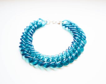 Linked Lucite Choker Necklace / Blue Green Chunky Lucite Necklace / Blue Lucite Chain Vintage Necklace / Vintage Lucite Choker