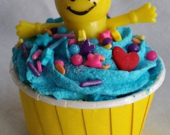 I LOVE YOU this Much! Smiley Face, Finger Puppet Bath Bomb.
