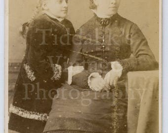 CDV Carte de Visite Photo Young Victorian Woman and Girl Plait Hair, Mother & Daughter Portrait - Jgnatz of Hamburg Germany - Antique Photo