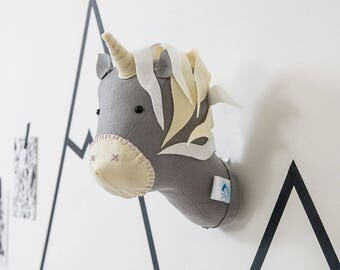 Felt unicorn, monochrome, unicorn birthday, taxidermy unicorn, wall hanging animal head, grey unicorn, decor, wall mount, unicorn head, Ki
