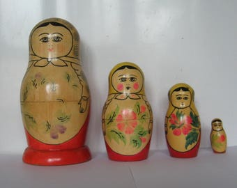 Vintage Wooden Matryoshka Nesting/Stacking Dolls 4 Piece, Made in USSR Russian