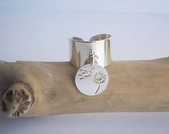 925 sterling silver ring and medal engraved dandelion flower, also in 925 sterling silver.