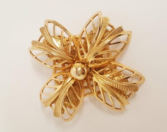 Free Ship* Vintage 50s Gold Tone Filigree 4 Petal Flower Pin/ Brooch/ Mid Century Costume Jewelry & Accessories