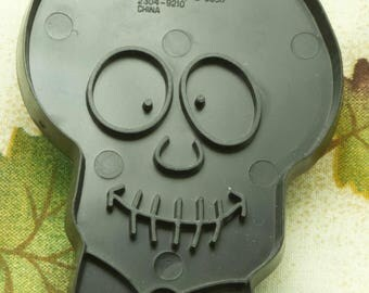1993 Collectable Wilton Black Skull Halloween Plastic Cookie Cutter