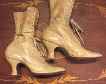 Victorian Lace Up Boots, Vintage Doughboy Boots, Cream Boots