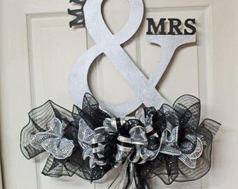 Mr and Mrs Door Hanger, Wedding Door Hanger, Engagement Door Decor