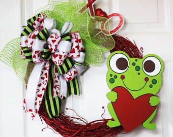 Valentines Day Grapevine Wreath, Frog Door Decor, Green and Red Valentine Wreath, Happy Valentines Day Wreath,