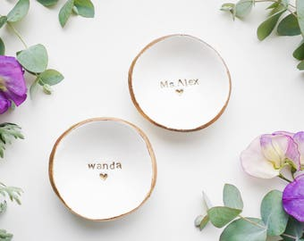 Unique Wedding Gift / Ring Holder / Bridesmaids Gift / Jewelry Dish / Engagement Gift / Gift for Her / Gift for Mom / Personalized Ring