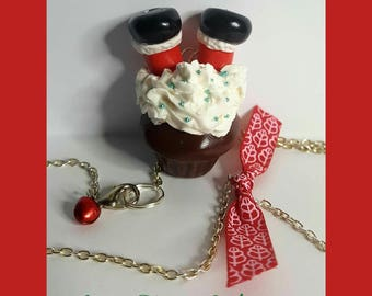 "Necklace ""Santa Claus in his cupcake"""