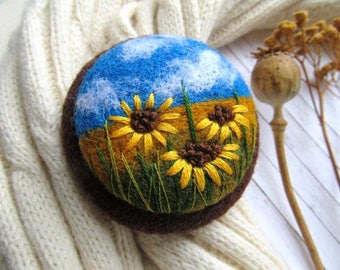 Daisy flower jewelry Nature jewelry for sister Needle felted brooch Handmade teacher gift Gifts jewelry   Gifts for wives Her gift