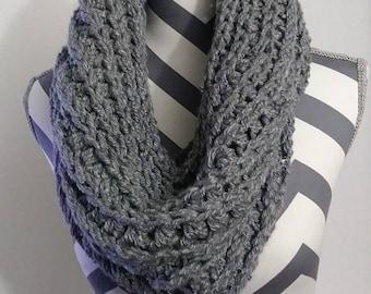 Gray Chunky Cowl,  Chunky Cowl,  Winter Scarf,  Circle Scarf,  Womens Scarves, Crochet Scarf, Crochet Cowl