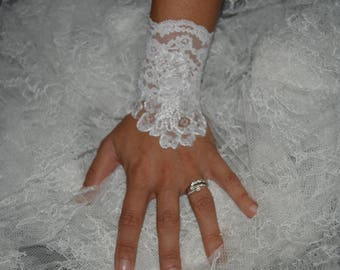 Pair lace white wedding lace arm warmers fingerless gloves
