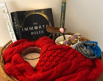 Book Worm Gift Basket