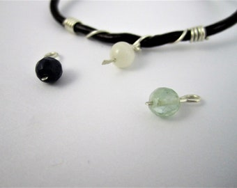 Bracelet minimaliste en cuir brun - fil d'argent sterling + perle au choix