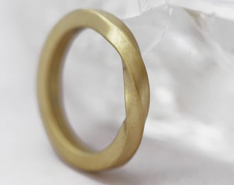 Scottish & Ecogold Infinity Twist 3mm Matt Finish Wedding Ring
