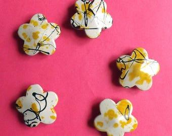 Gorgeous shades of yellow acrylic bead