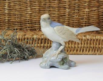 Ceramic Porcelain Vintage Bird Figurine - Farmhouse Decor - Gift Idea - KnickKnack