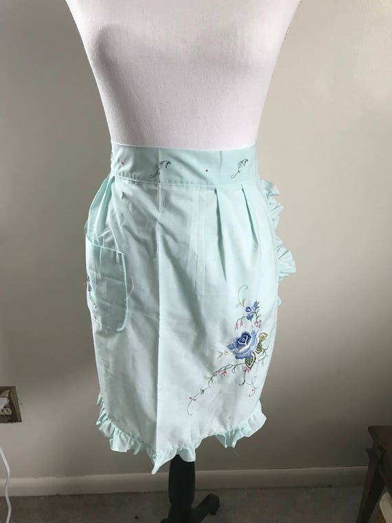Blue Vintage Embroidered Floral Apron with One Pocket