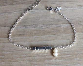"""Silver chain bracelet """"Lili"""" square beads and pearls nudes"""