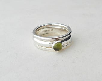 Stacking Rings with Peridot Cabochon (set of 3 size P)  Silver rings with stone, stackable rings, Textured rings, Set of silver rings