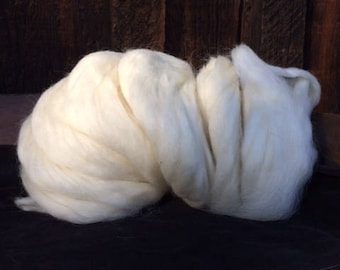 Navajo Churro Sheep Wool Pindraft Roving - White  16 ounces