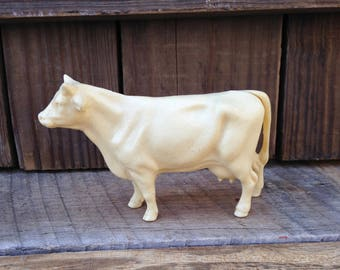 celluloid cow/small vintage cow