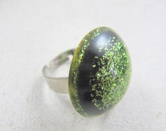 Resin ring glitter lime green 28mm