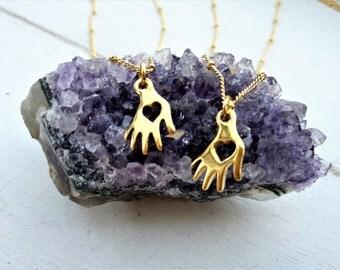 Hamsa hand necklace, Protection necklace, Hamsa necklace, Hand of fatima, Hamsa hand, Evil eye necklace, Hand necklace, Dainty Necklace