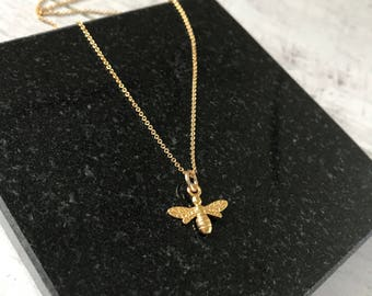 Gold Bee Necklace/14k Gold Filled/Gold Vermeil/Bee Necklace/Everyday/Layer/Gift/UK/Jewellery/Nature/Flying Bee