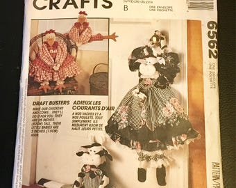 """McCall's Crafts Sewing Pattern  Draft Busters Cow Chicken 25 """"   Cottage Country Farm Decor Chabby Chic Cabin Old Fashion Faye Wine Uncut"""