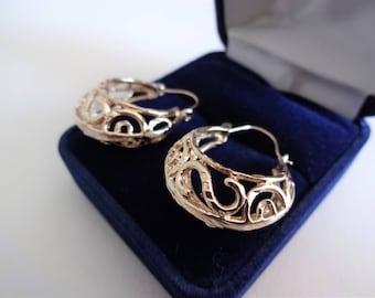 Boucles d'oreilles 10 k ***Expédition gratuite au Canada *** Cadeau idéal! Free shipping in Canada
