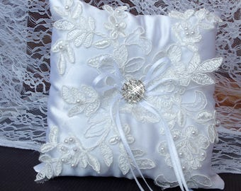 White ring bearer pillow  Lace wedding pillow Lace ring holder Vintage ring pillow Ring bearer pillow  Lace wedding ring pillow Rhinestone