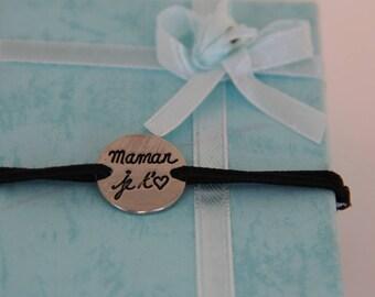 """Bracelet engraved """"MOM I love you"""" on adjustable cord"""
