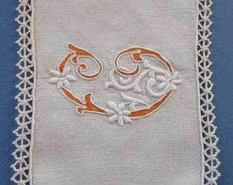 Old piece of hand embroidery - model 9