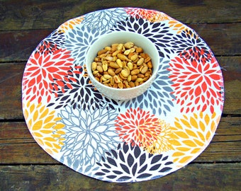 Set of 4 round fabric placemats Blooms chili pepper