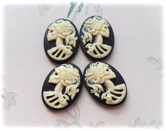 4Pcs Lolita Skull Left and Right 18x13mm Resin Ivory and Black Cabochon