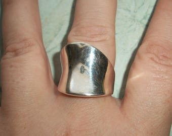 VINTAGE Marked 925 Sterling Silver Abstract Ring,8.4 grams,Size between 7.75,smooth band,not scrap,wide
