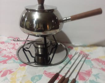 Vintage Gourmet International Fondue Set with 4 Forks