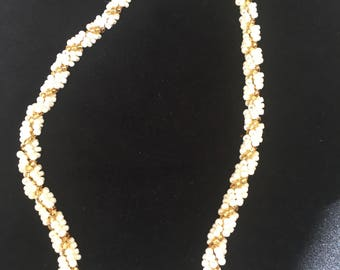 Vintage beaded necklace - gold and cream beads - toggle - twisted style