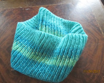 green blue and yellow handknit cowl