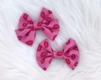 XOXO lips Bow on clip or headband