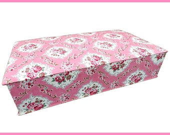 Box has sewing book or knit fabric with flowers in pink shabby chic vintage France vintagefr Christmas gift idea