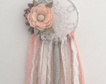 Felt flower dreamcatcher, floral dreamcatcher, crochet dreamcatcher, doily dreamcatcher , felt flowers, felt flower decor , boho dreamcatche