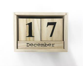 Wooden calendar, Calendar 2017, Wood calendar, Calendar perpetual, Block calendar, Calendar 2018, Handmade calendar, Gift for mother